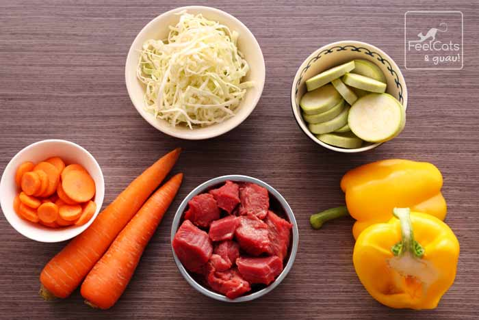alimentos base para una buena alimentación natural para perros y gatos