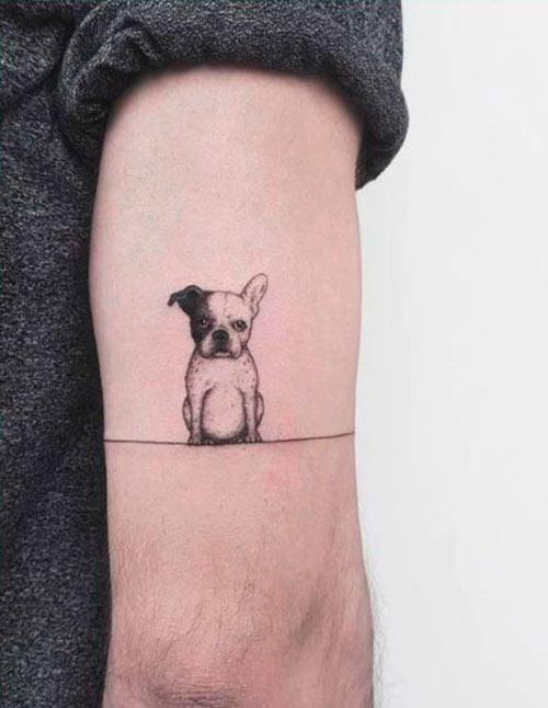 tatuaje de perro bulldog sentado